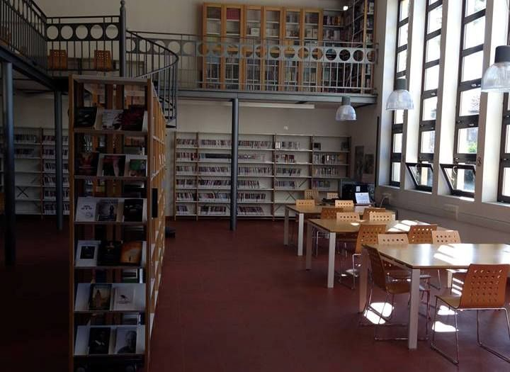 Biblioteca 'G. Ceccarelli' a Gatteo: interno 2