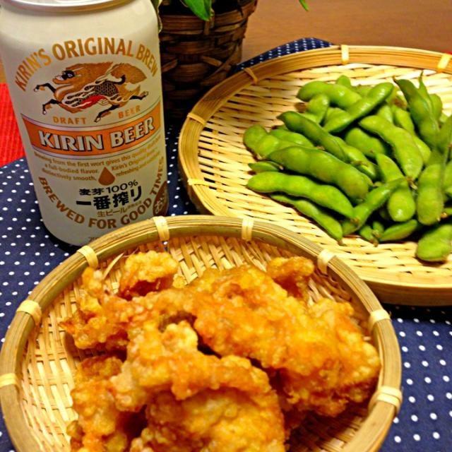 キヨシュンさんの、カレー唐揚げ丼を見て、昼間から、今日は唐揚げ〜と決めてました - 44件のもぐもぐ - カレー鶏皮揚げと枝豆で乾杯〜 by takaram