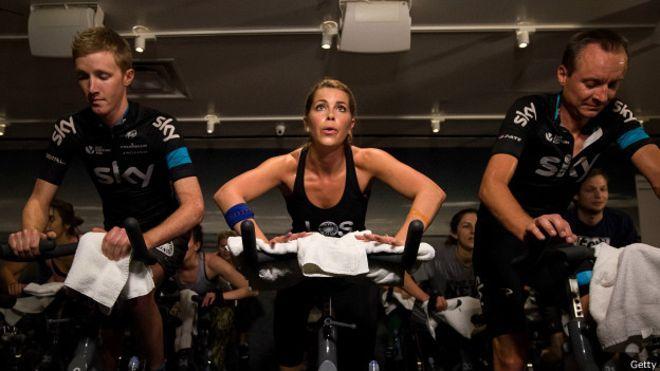 Los niveles de sodio en los ciclistas son fundamentales para las funciones cognitivas, estar bien hidratado permite tener un optimo rendimiento.