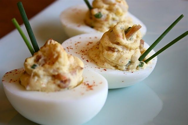 Bacon Deviled Eggs with White Truffle Oil - i am so making this for Easter dinner!