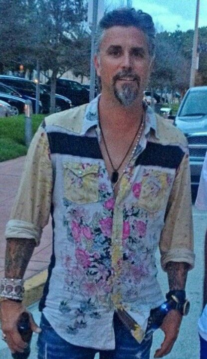 Richard Rawlings - On any other man this would be the ugliest shirt ever made......but he manages to pull it off. JFC
