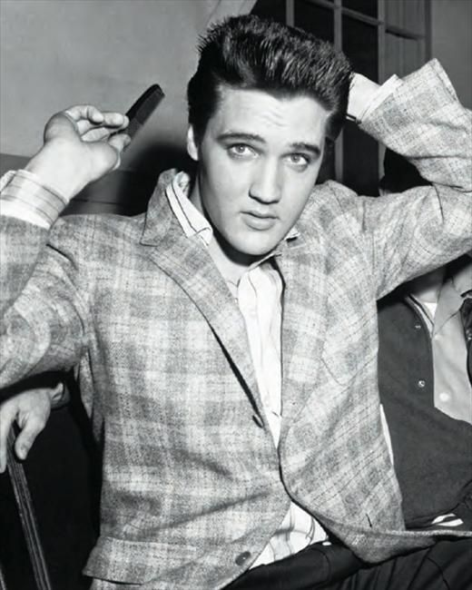 I luv how Elvis went against the odds to be his own person and follow his own dream... and completely changed the world. VB