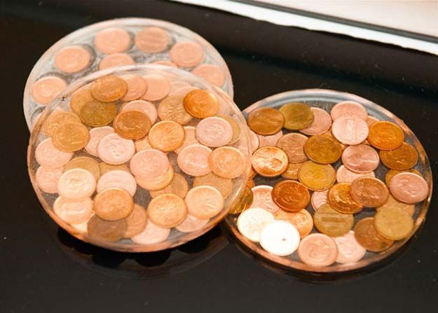 29 super cool diys with pennies penny wall penny table for How to make a penny wall