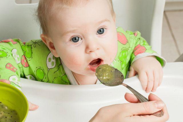 Les aliments à éviter avec bébé - Kiwi