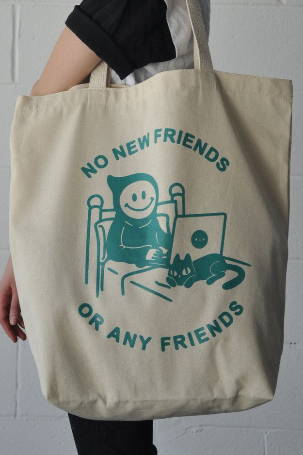 A bag that absolutely loves meeting new people.