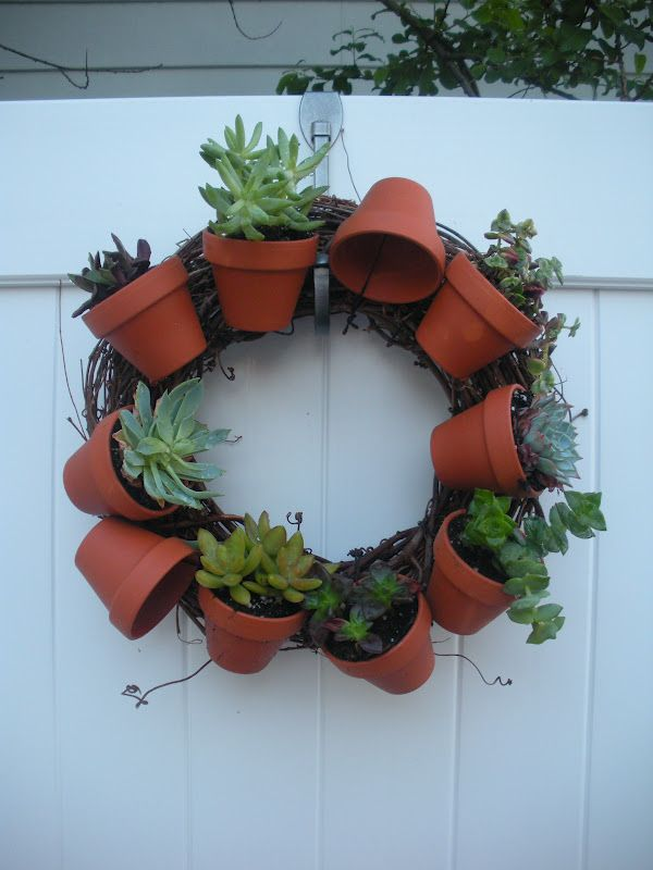 clay pot  crafts for garden | Working House Mom, Wife: Clay Pot Living Wreath