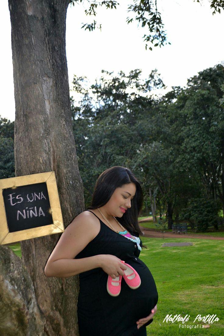 #NathaliPortillaFotografia #fotoestudio #embarazada