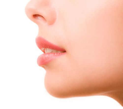 Facelift surgery is the ultimate solution for facial aging. It redefines and accentuates the youthful contours of the face and neck. A lower lift is the ideal treatment for improving a sagging jaw line, falling cheeks and a blunted neckline.