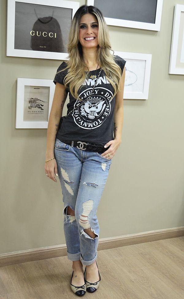 look camiseta ramones, calça jeans