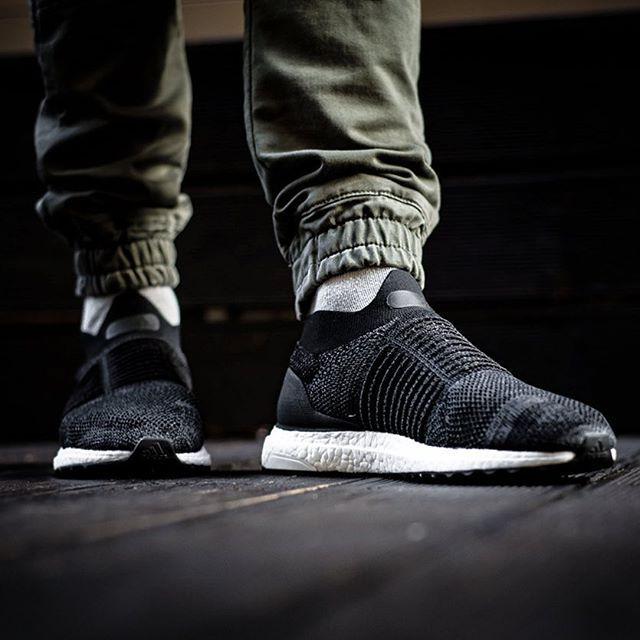 ADIDAS ULTRA BOOST LACELESS 20000 @sneakers76 store  online ( link in bio ) #adidas #adidasoriginals #ultraboost #laceless  @adidasoriginals  ITA - EU free shipping over  50  ASIA - USA TAX FREE  ship  29  photo credit #sneakers76 #teamsneakers76 #sneakers76hq #instashoes #instakicks #sneakers #sneaker #sneakerhead #sneakershead #solecollector #soleonfire #nicekicks #igsneakerscommunity #sneakerfreak #sneakerporn #sneakerholic #instagood