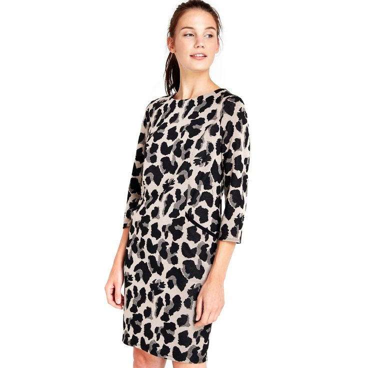 This gorgeous animal jacquard dress with pocket detail and 3/4 sleeves this is a beautiful print in a versatile shape. Wear to the office with heels and then add a black clutch bag for going out in the evening.