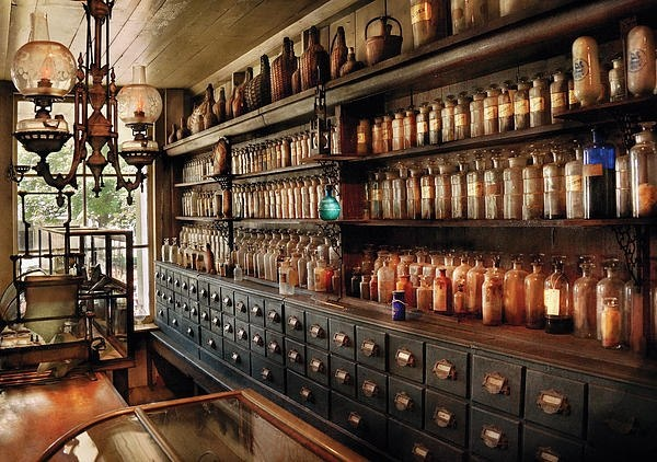 Loving this vintage pharmacy cabinetry going on here.