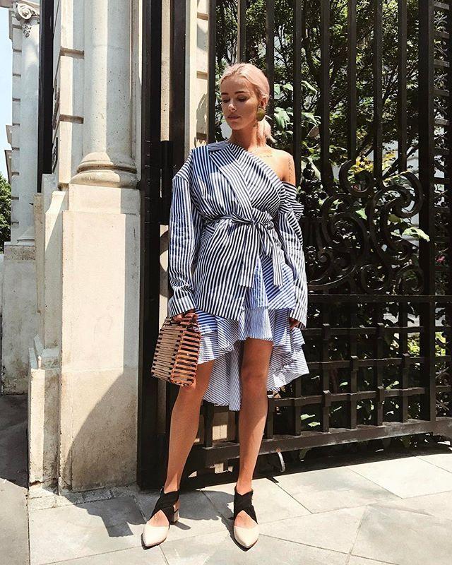 Instagram media by maffashion_official - #OOTD @mmcstudiodesign #blazer @stradivarius #skirt #zara #bag #earings #COS @finerylondon #shoes SNAPCHAT MAFFASHION