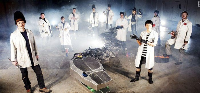 Vive Les Robots! case study: eatART: Leigh Christie & Mondo Spider Robot (2012): http://www.vivelesrobots-education.dk/english