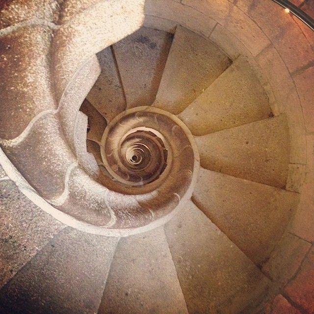 The spiraling stairwell in the Sagrada Familia. Photo courtesy of tweetybeets on Instagram. #howisummer