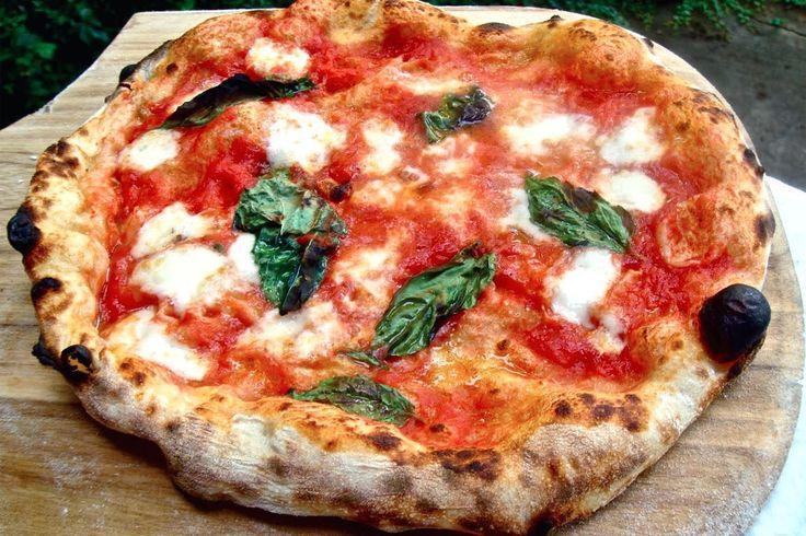 Agnese Italian Recipes: Pizza margherita Italian recipe