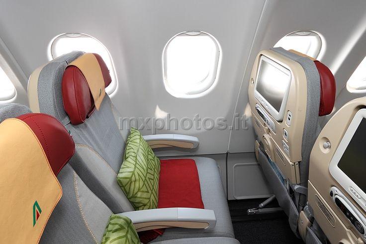 Alitalia - Airbus A330-200 – Economy Class Seat