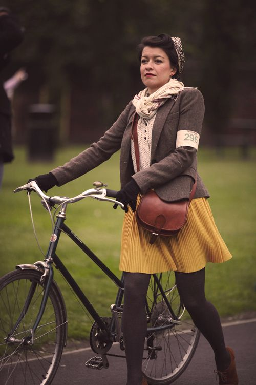 tweed run, bike style, cycling, fashion, mustard skirt, tweed jacket, satchel, autumn, outfit, vintage, 1940s