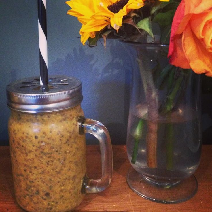 Morning Bliss // Seasonal Attunement with Spiced Squash Chia Smoothie.  TCM Tip // Nourish the Spleen with baked squash and chia seeds for an added omega hit! The Spleen is responsible for transforming and transporting Qi which is why we often feel tired & fatigued in the morning when our diet is overloaded with sugary greasy foods. Warm things through and eat food cultivated from beneath the Earth to support your Spleen!  Stress can also directly impact the function of our Spleen & Pancreas…