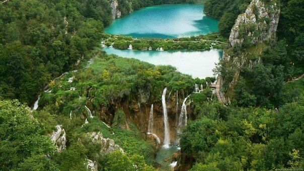 https://vk.com/discover_world Водопад в Национальном парке Плитвицкие озера в Хорватии.