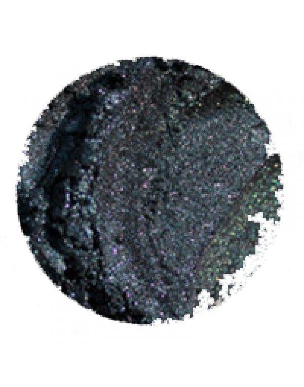 Erth Midnight øyenskygge er en dyp og skimrende blåfarge med en sterk, svart undertone. Denne er fantastisk som eyeliner, spesielt for brune...