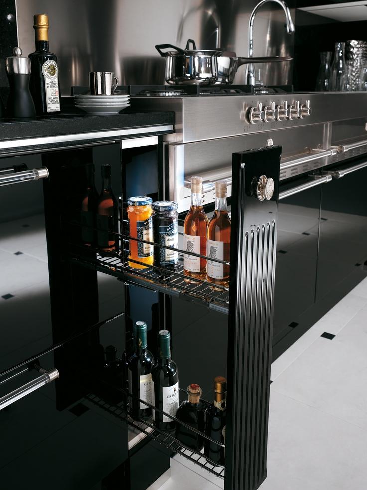 Baccarat by Gianni Pareschi. Prestige pillar fronts and details.  #kitchen #Scavolini