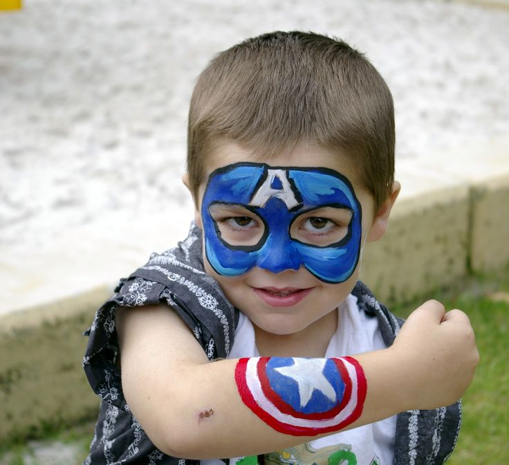 face paint - captain america                                                                                                                                                      Mais