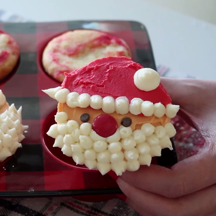 Santa would probably appreciate these cute cupcakes more than typical cookies.