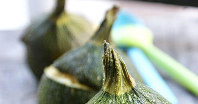 J'aime beaucoup les légumes d'été, et bien sûr les courgettes font partie de mes favoris.  Et puis, je trouve les courgettes rondes vraime...