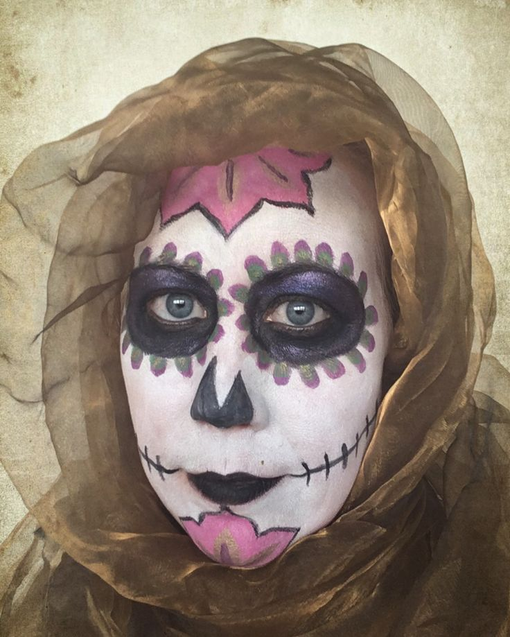 Sugar skull/ face painting/ day of the dead/ carnaval/ smink