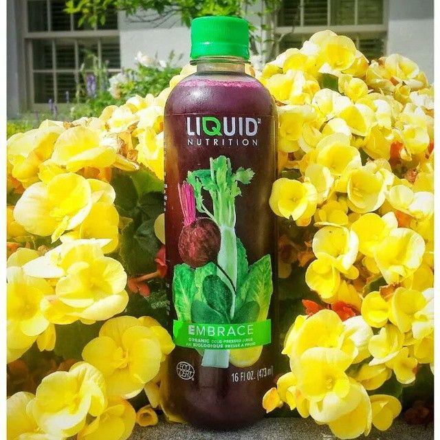 Start your week off the healthy way with one of our cold-pressed juices!  Commencez la semaine en santé avec un de nos jus pressés à froid!  #Juicing #juice #health #wellness #organic #nutritious #smoothie #fresh #fruits #veggies #yummy #healthy #liquidnutrition #organic #nomnom #Green