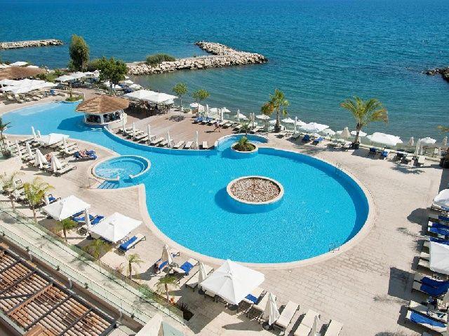 Royal_Apollonia_Beach1-Traveliada.jpg