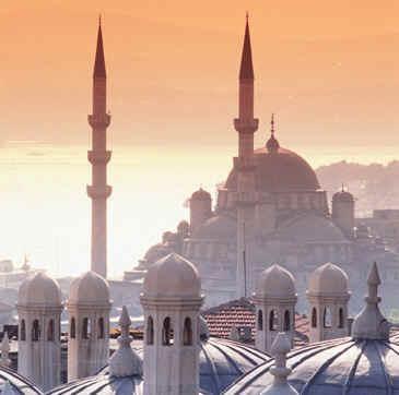 Empire déchu, architecture multiple, à la croisée de l'occident et l'orient, une ville portée par la mer.