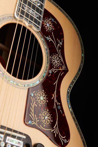 Gibson J-250 Monarch acoustic steel guitar, finish: antique natural #gibson #guitar #thomann