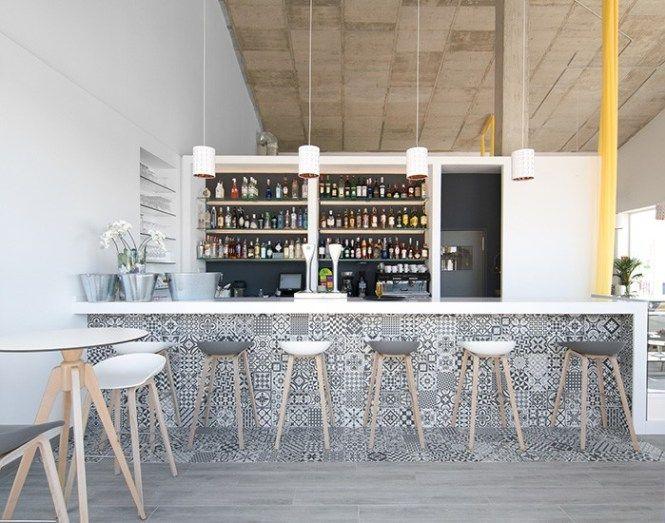 La Zenia Lounge Un Gastrobar De Estilo Escandinavo En La Costa Alicantina Delikatissen Diseño De Interiores Cafetería Diseño De Barra De Café Bares Diseño