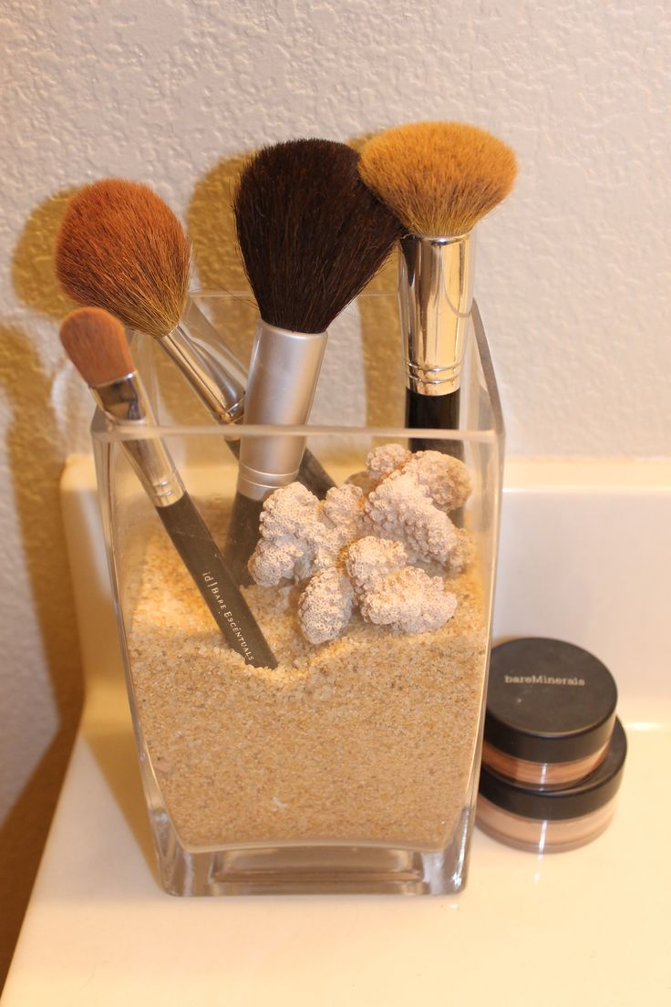 Mermaid bathroom decorating tip  Cutest way to store your make up brushes  Get a glass vase  fill with sand and shells and then stick in your brushes. 1000  ideas about Mermaid Bathroom on Pinterest   Mermaid bathroom