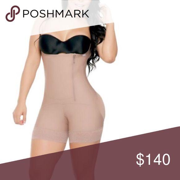 Girdle/Faja Full body Faja/girdle. Control your body. Lose inches instantly#PAULA2016   💗Estiliza cintura, abdomen y cadera. 💗Alta compresión. 💗Doble refuerzo abdominal. 💗Levanta glúteos. 💗Sistema de cierre lateral y broches internos. 💗Senos libres. 💗Buen cubrimiento de la espalda. 💗Tiras ajustables. 💗Encaje siliconado. 💗Tela powernet y lycra con micro cápsulas de aloe vera. 💗Humecta y da suavidad a la piel.        956-243-5866  www.lwnsfajas.com Dresses