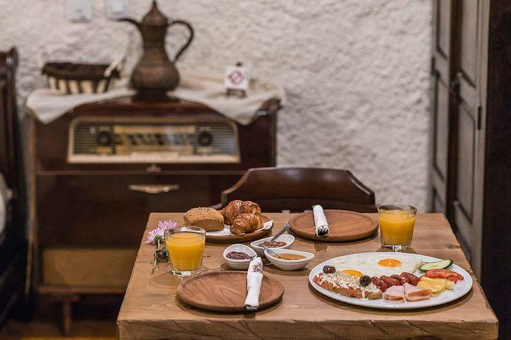 ΚΟΥΚΟΣ παραδοσιακό κατάλυμα Ρόδος - πρωινό στο δωμάτιο