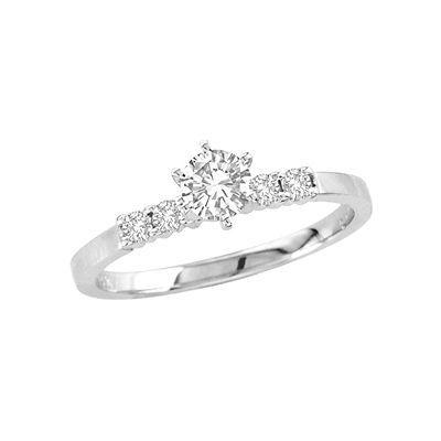 Stunning T W Diamond Engagement Ring in K White Gold
