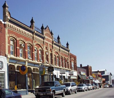 Port Perry's charming downtown shops: beautiful Queen Street.