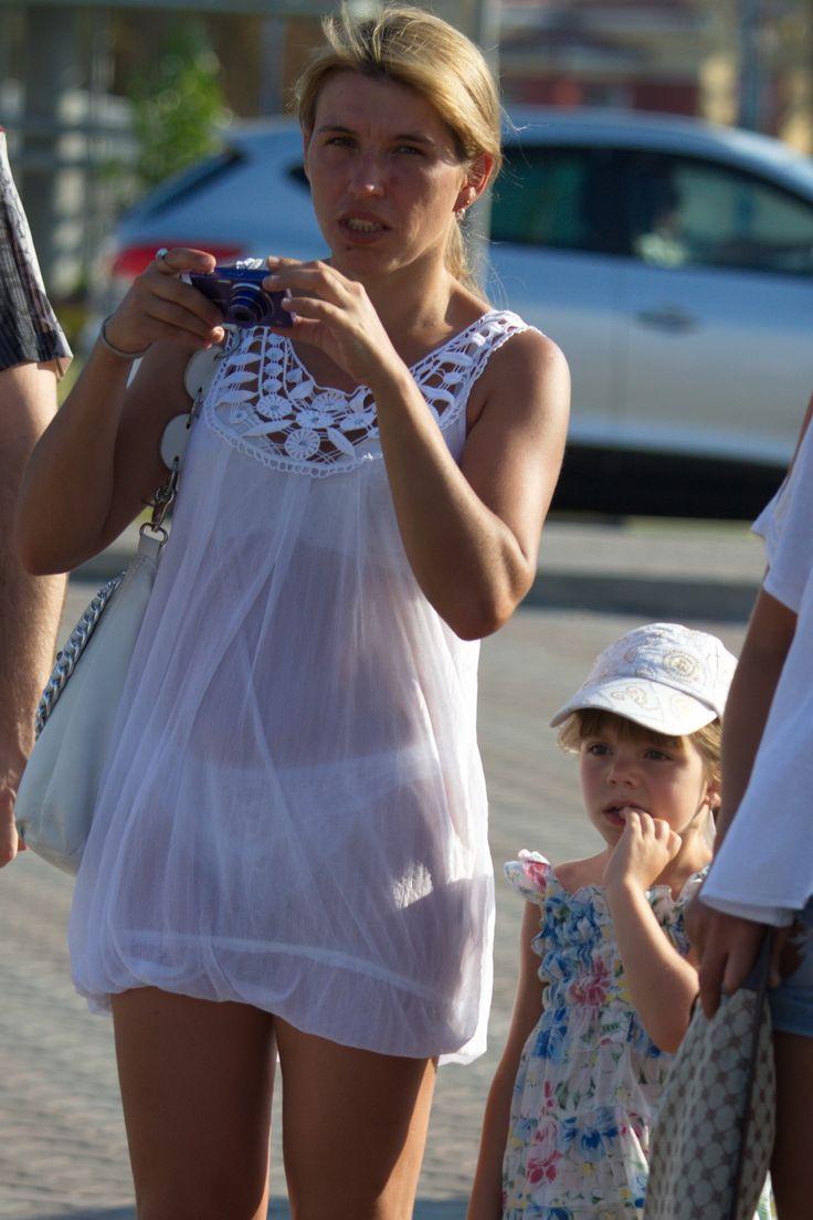 жены без белья на улице фото очень