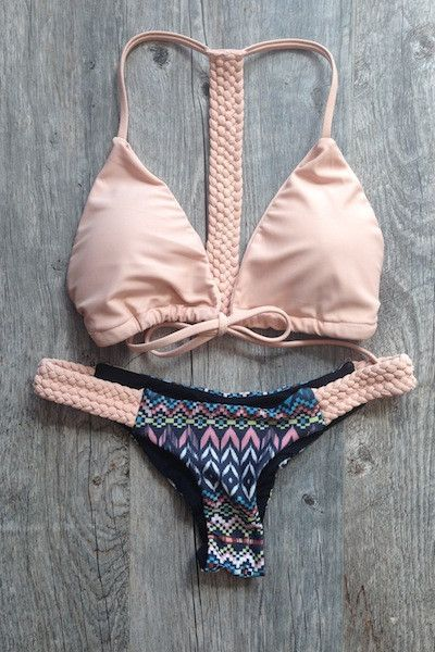 I know it's not the time of year to be wearing bathing suits but I had to pin this cause it's so cute | re-pin | follow me on www.twitter.com/southfloridah2o