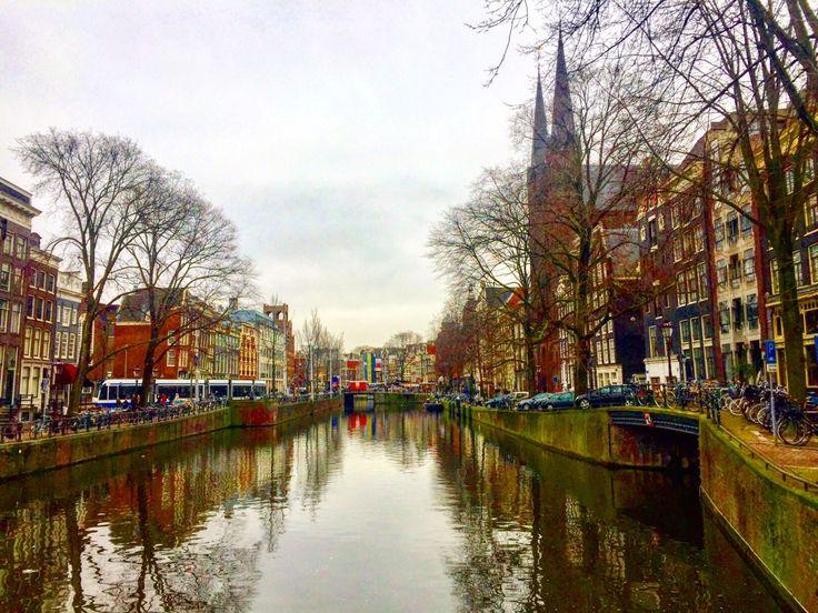 Amsterdam é apaixonante e tem muita coisa para se fazer. E para ajudar você a escolher o que fazer em Amsterdam em 2 dias, deixo aqui o que fiz por lá.