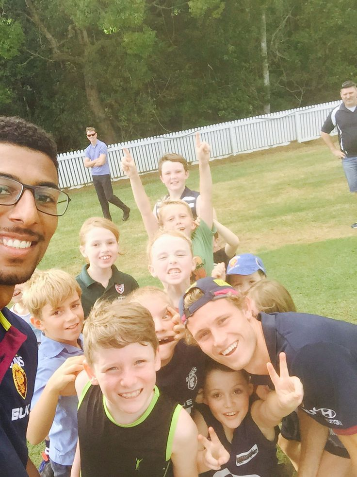 #CommunityCamp third stop visiting 11 AFLSC Junior Clubs - a bit of selfie action passes the time!