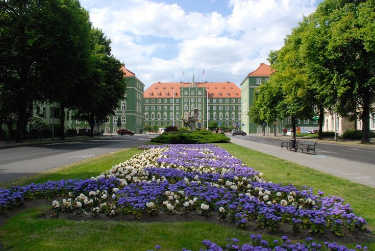 Szczecin (shcheh-cheen) is a cute, port city located on the Oder River, one hour's drive from the Baltic Sea, in Northwest Poland. The city has a population of a little over 400,000, making i…