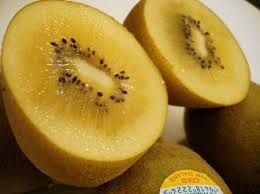 kiwi giallo  ottimo come il kiwi verde www.ortopertutti.it