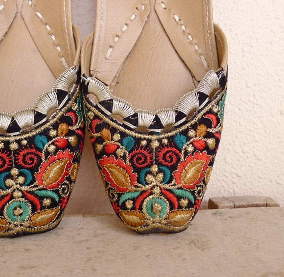 Vintage 80's Aladdin Indian Embroidery Shoes by fivestonesvintage