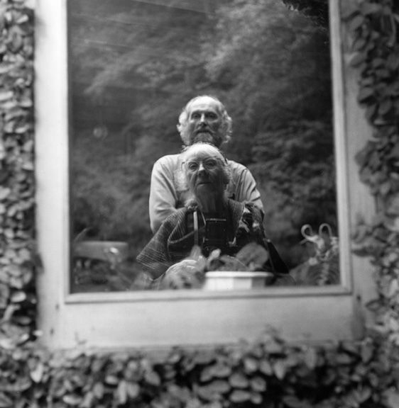 Imogen Cunningham - Self-portrait with Morris Graves 2, 1973