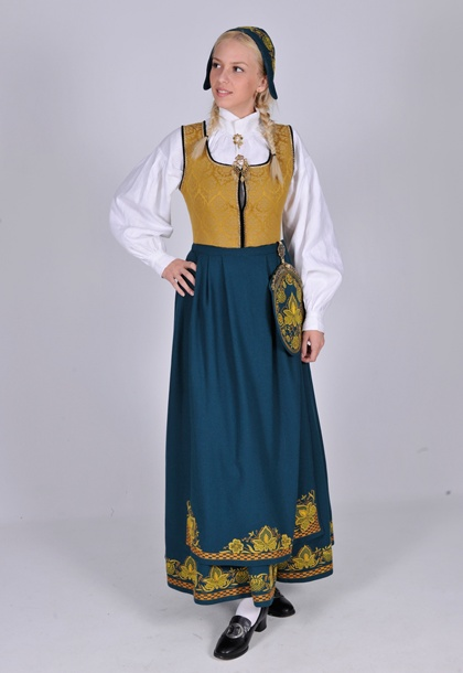 Romerike L55...I could possibly just make this as an apron, if the girls can come up with long skirts and a long sleeve top? and a simple matching hankerchief for over their hair???