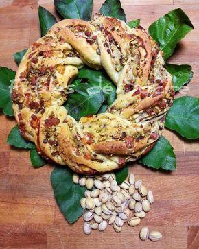 Angelica salata con pasta madre! Un pan brioche a forma di corona, dall'aspetto molto affascinante, che mi ha sempre ispirato. E in più con pasta madre!!